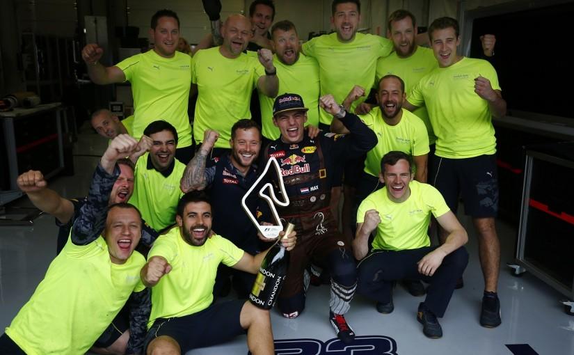 F1   フェルスタッペン「急に2位になってびっくり。キミのプレッシャーに対処できた」:レッドブル オーストリア日曜