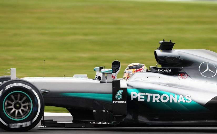 F1 | メルセデス2台が驚速ワンツー発進、ベッテルにギヤボックストラブル