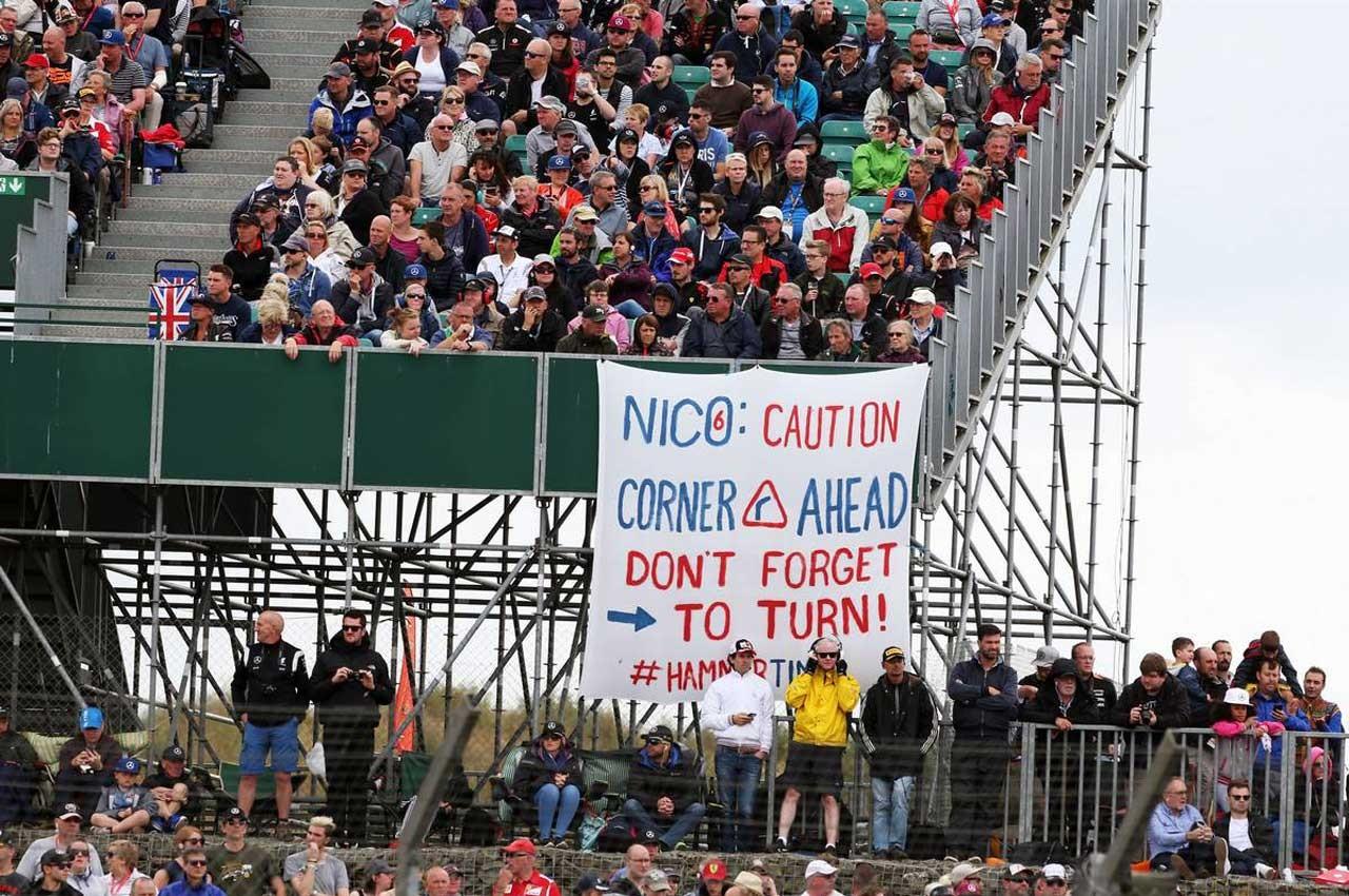 イギリスGP表彰台でのブーイングにロズベルグ、ハミルトンが見解を示す