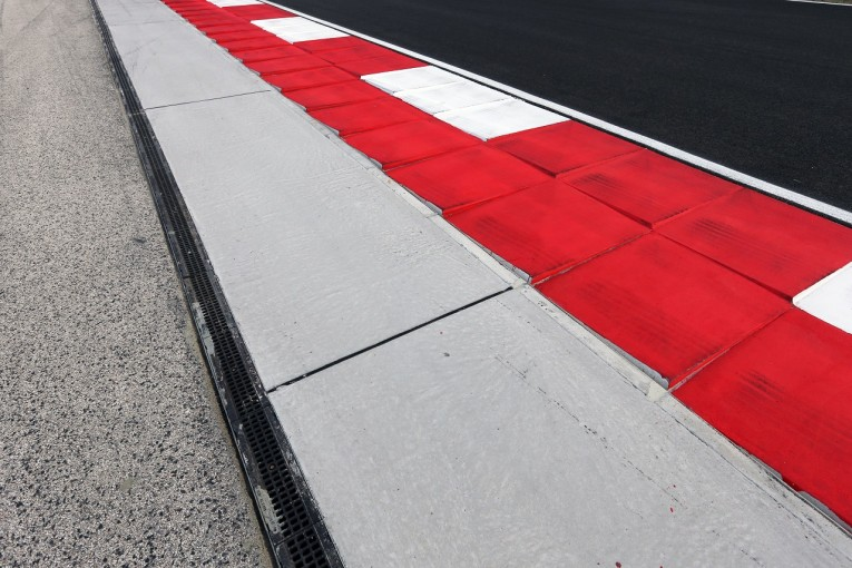 F1 | 電子センサーでトラックリミットを厳しく監視。ハンガリーの縁石が改修