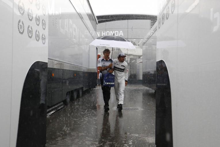 F1 | 予選Q1速報:雨で大荒れ、4度の赤旗。首位ロズベルグ、アロンソが3位で通過