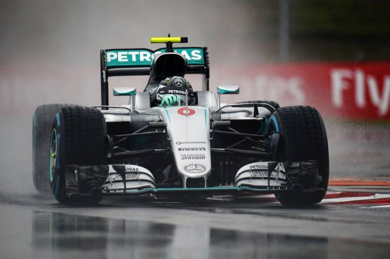 F1 | 赤旗4回、2時間の予選で大逆転を決めたロズベルグ。アロンソ&バトンがトップ10