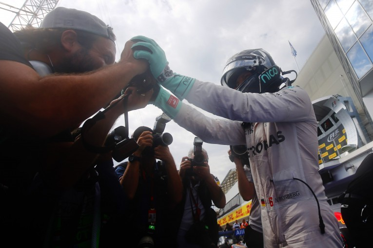 F1   暫定ポールポジションのロズベルグ、黄旗の一件でスチュワードに呼び出される