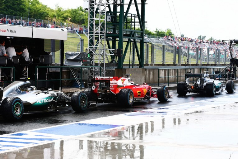 F1   ライコネン「タイミングを誤ってQ2敗退。失敗から学ぶしかない」:フェラーリ ハンガリー土曜