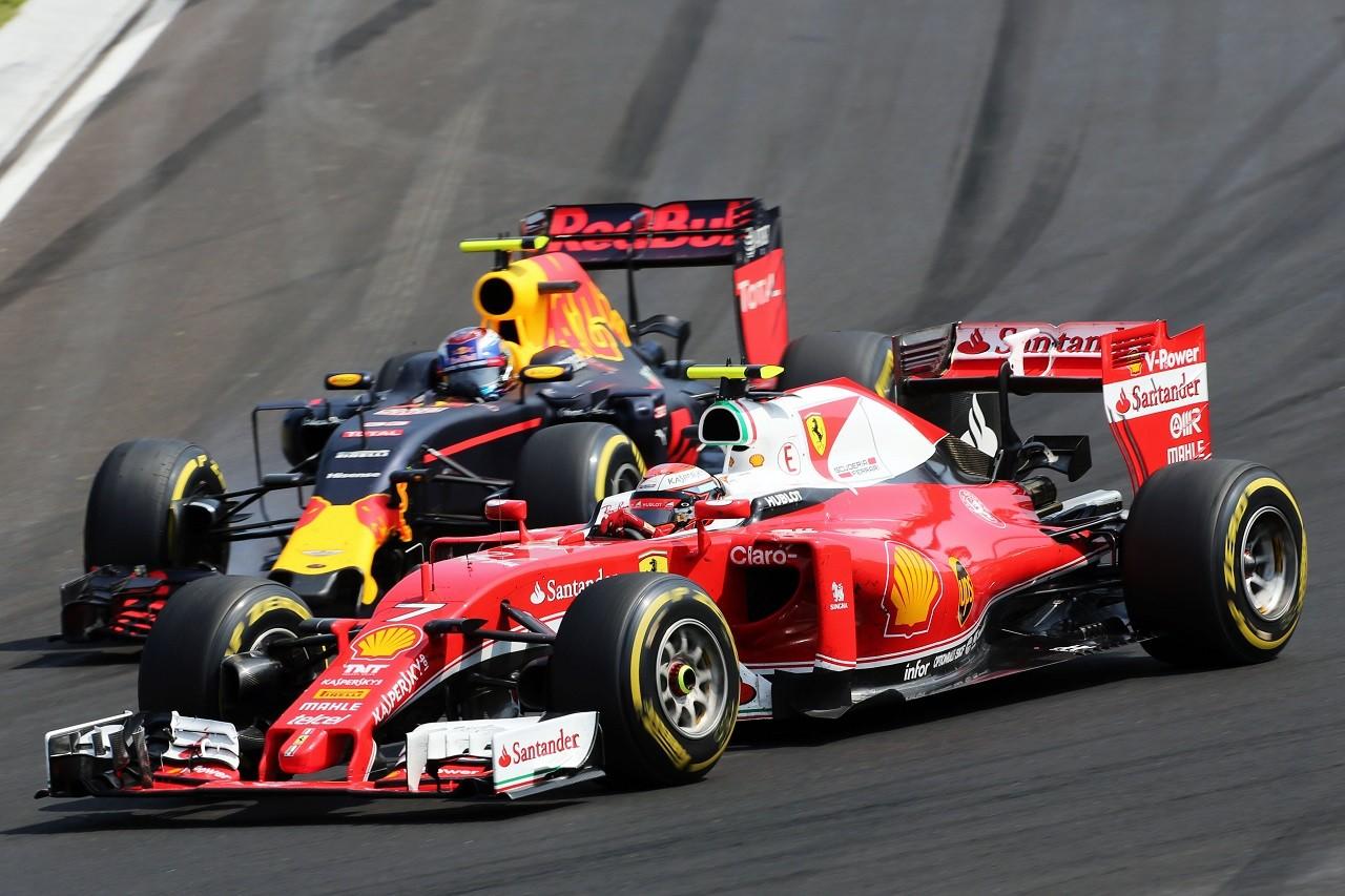 2016年第11戦ハンガリーGP キミ・ライコネンとマックス・フェルスタッペン