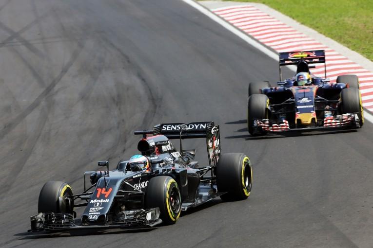 F1 | サインツJr.「アロンソについて行けたが、どうしても抜けなかった」:トロロッソ ハンガリー日曜