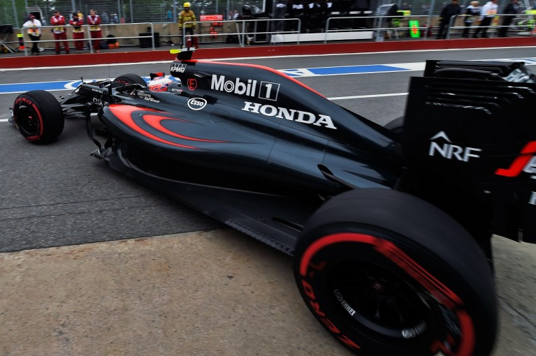 F1 | ホンダF1、ベルギーでアップグレード投入へ。「第二集団の先頭からトップ3を追う」とバトン