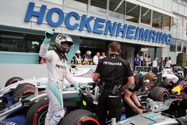 F1 | ロズベルグが地元でハミルトンを負かし、今季5度目のPP。背後にはレッドブル