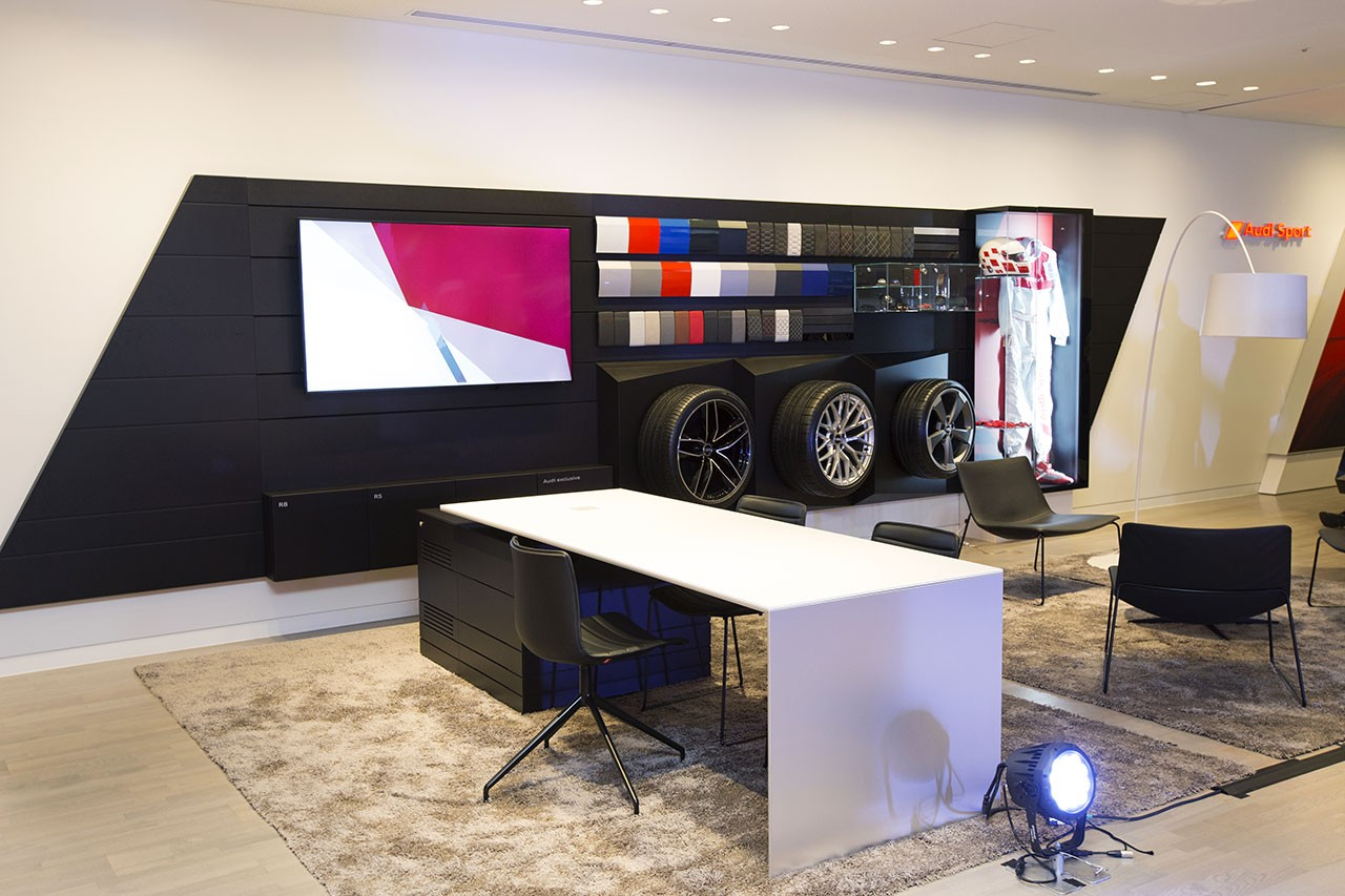 Audi-Sport 店舗内