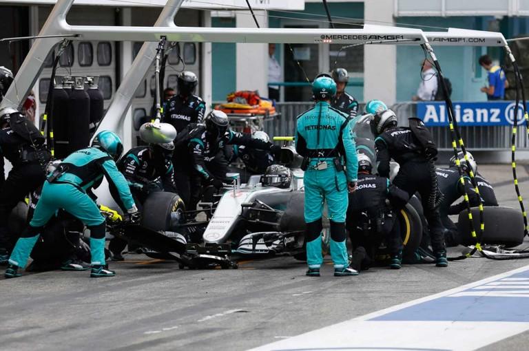 F1   ロズベルグのタイムロスは「ストップウォッチのトラブル」が原因