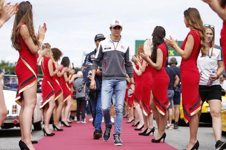 F1   ハミルトンと和解のグティエレス、今度はリカルドから批判:ハースF1 ドイツ日曜