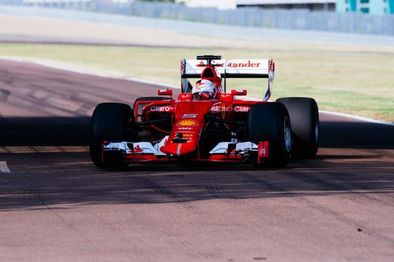 F1 | 昔ながらのワイド&ローのスタイルに。ベッテルが2017年向けのタイヤ&リヤウイングを初テスト
