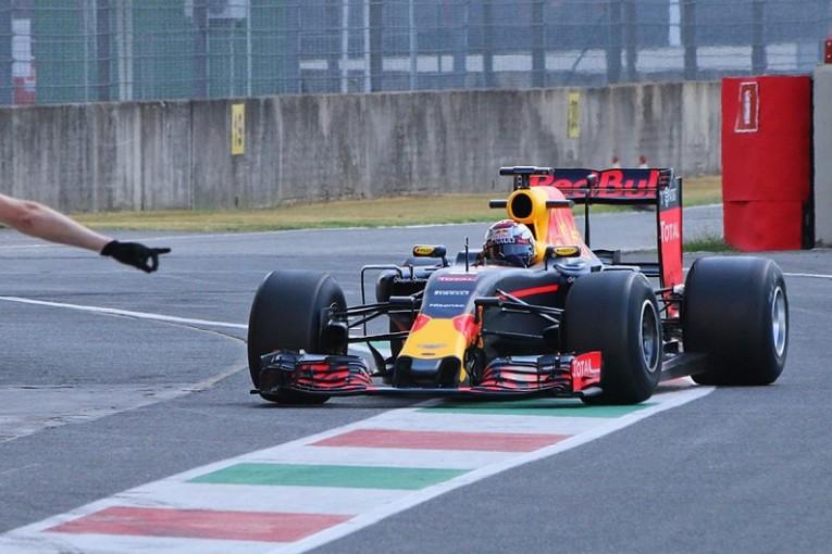 F1 | 17年用F1スリックタイヤのテストがスタート。レッドブル、担当3チームのメリット認める