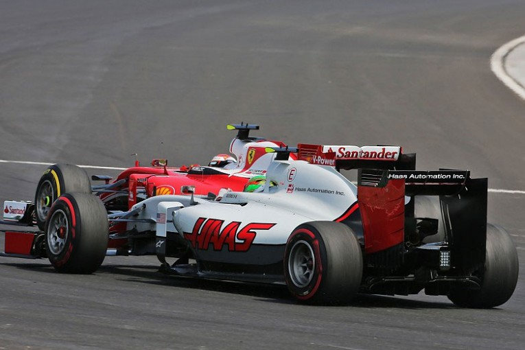 F1 | フェラーリは技術提携に「慎重すぎる」と、パートナーのハースが苛立ち