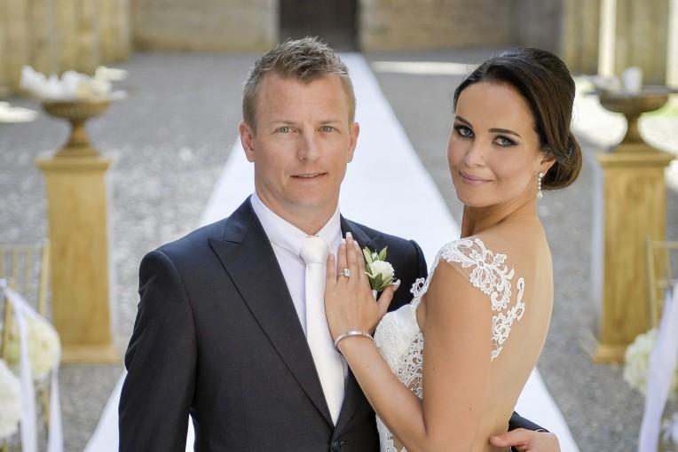 F1   ライコネンが結婚。ミントゥさんとイタリアで挙式