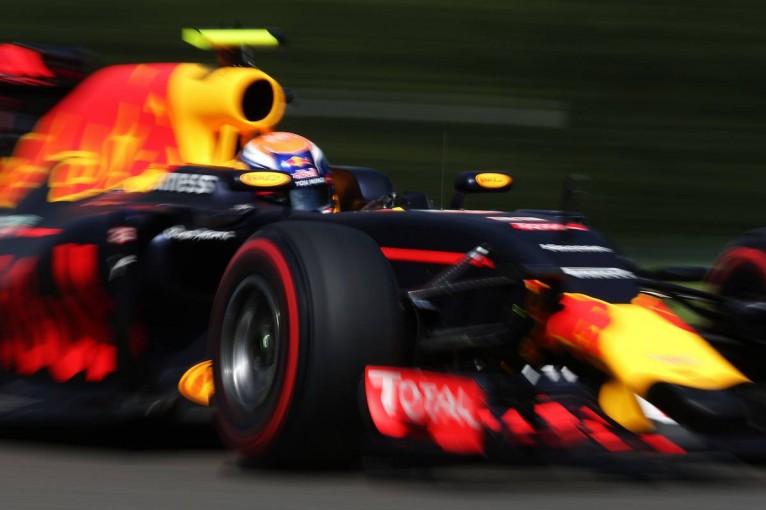 F1 | 予選Q3速報:ロズベルグが落とせないPP、フェルスタッペンが僅差に迫る