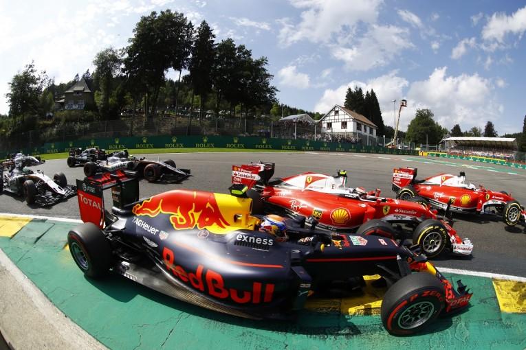 F1 | フェルスタッペン「レースを台無しにしたフェラーリに簡単にポジションを譲るわけない」:ベルギー日曜