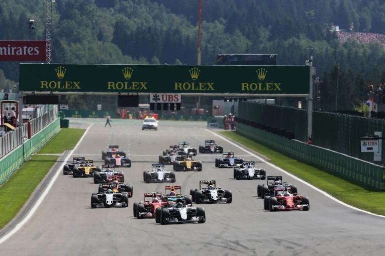 F1 | ピレリ「ハミルトンとアロンソは、独自の戦略で最後列から印象的な走りを見せた」