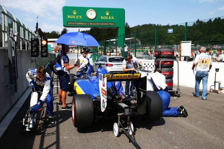 F1 | ザウバー、ようやくアップデート投入もPUトラブル。フェラーリに改善を要求