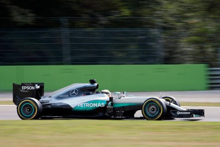 F1 | ハミルトンがファンジオとセナに並ぶ5回目のPP、フェラーリは二列目から勝負