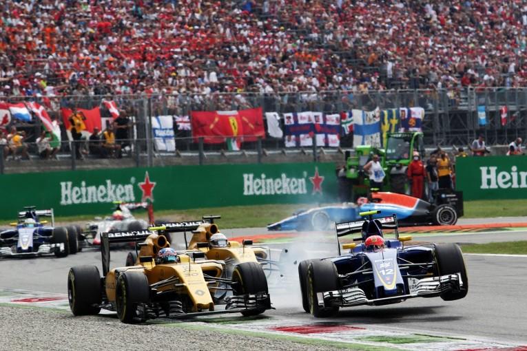 F1 | パーマー、接触のナッセに激怒「GP3よりレベルが低い!」:ルノー イタリア日曜