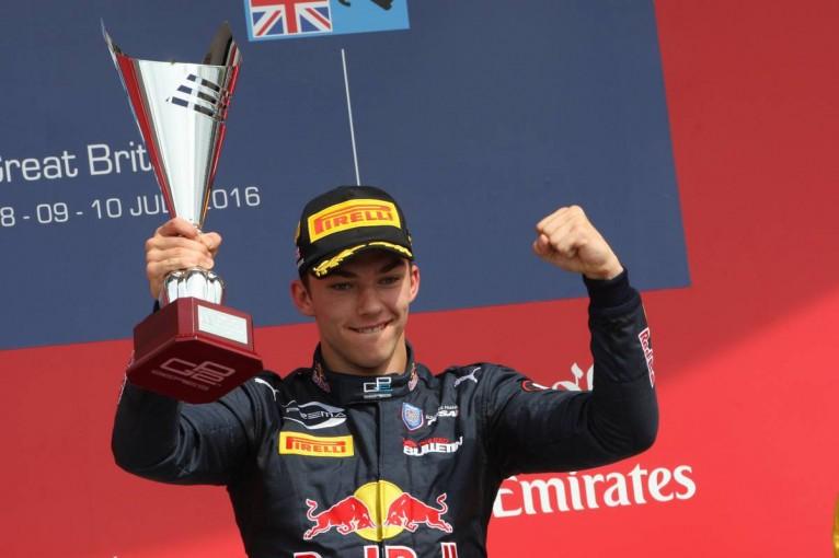 F1 | 不調から抜け出せないクビアト「今季中に新人と交代」の噂をトロロッソが否定