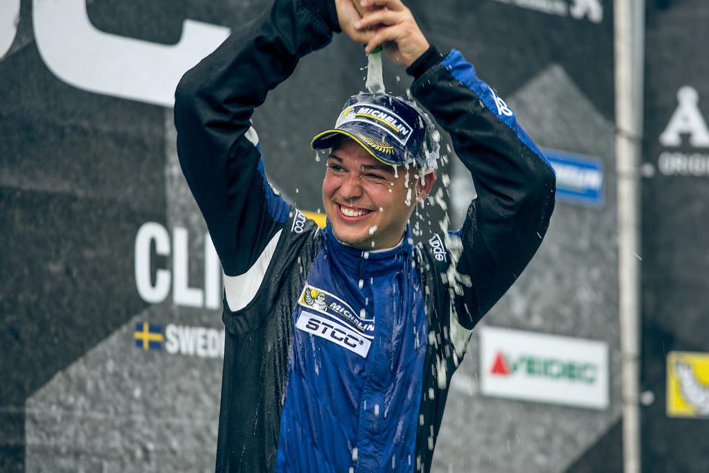 STCC:ビルドハイムのチームメイト、オーソンのニッサン・パルサーが初勝利
