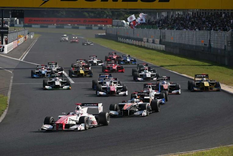 昨年の第5戦岡山では2レース制が採用された