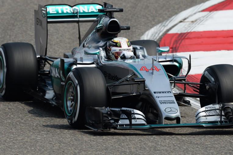 F1   ハミルトンが好発進、フェラーリ勢を1秒引き離す