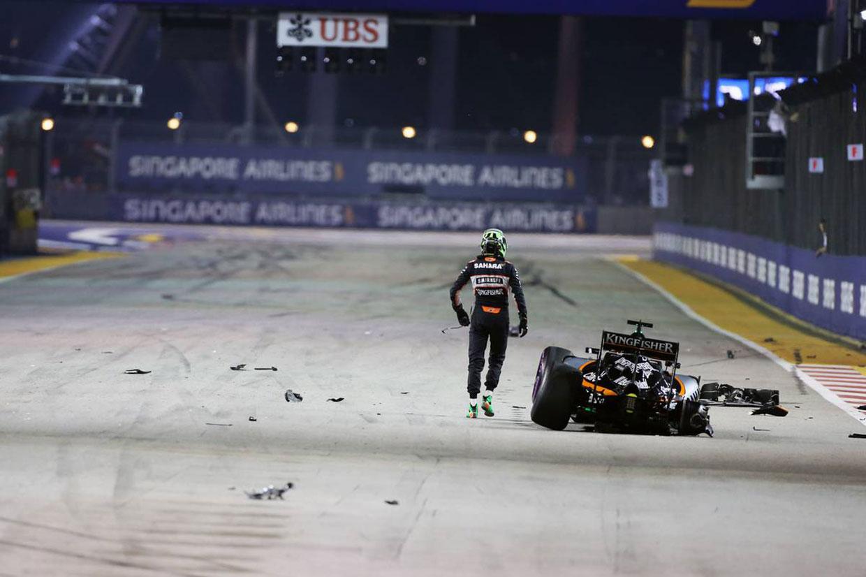 動画:スタート早々、トロロッソに挟まれたヒュルケンベルグがクラッシュ/F1シンガポール