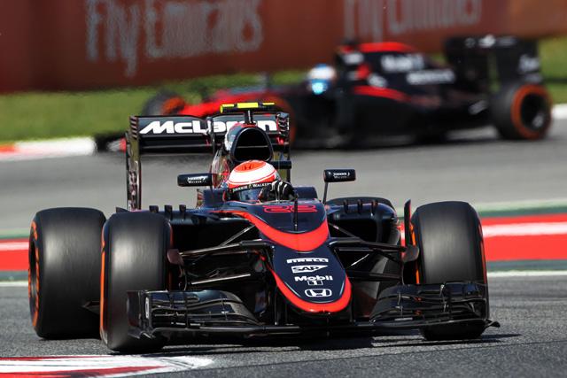 F1   マクラーレン・ホンダが7番手。初日首位はルイス