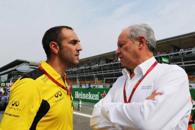 F1   ルノー、成績不振によるチーム内の不和とリーダーシップ不足を認める