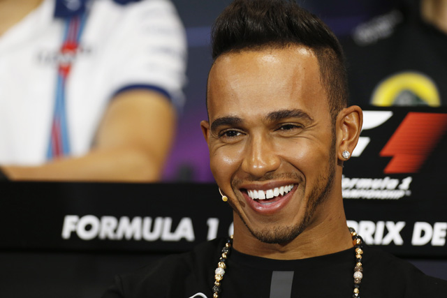 F1   ハミルトン、2018年までのメルセデス残留を発表