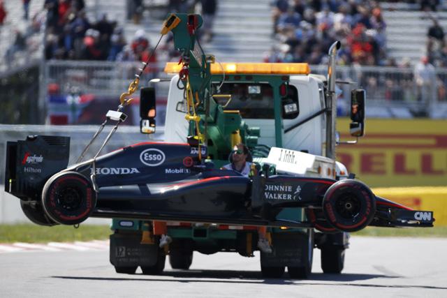 F1 | マクラーレンにトラブルの連鎖。ルイスは最下位