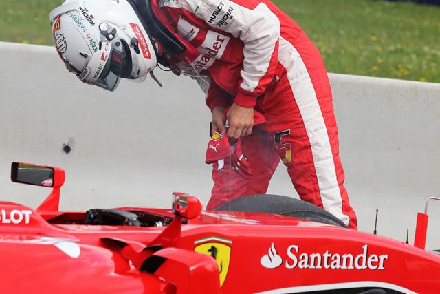 F1   ベッテル&アロンソにトラブル、メルセデスが1-2
