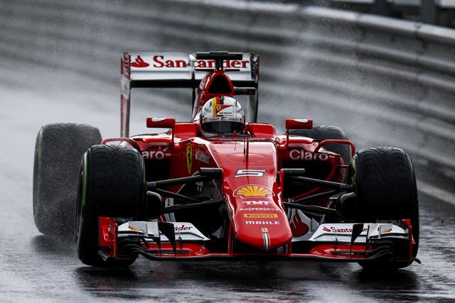 F1   後半雨のFP3はベッテル首位、アロンソに再び問題