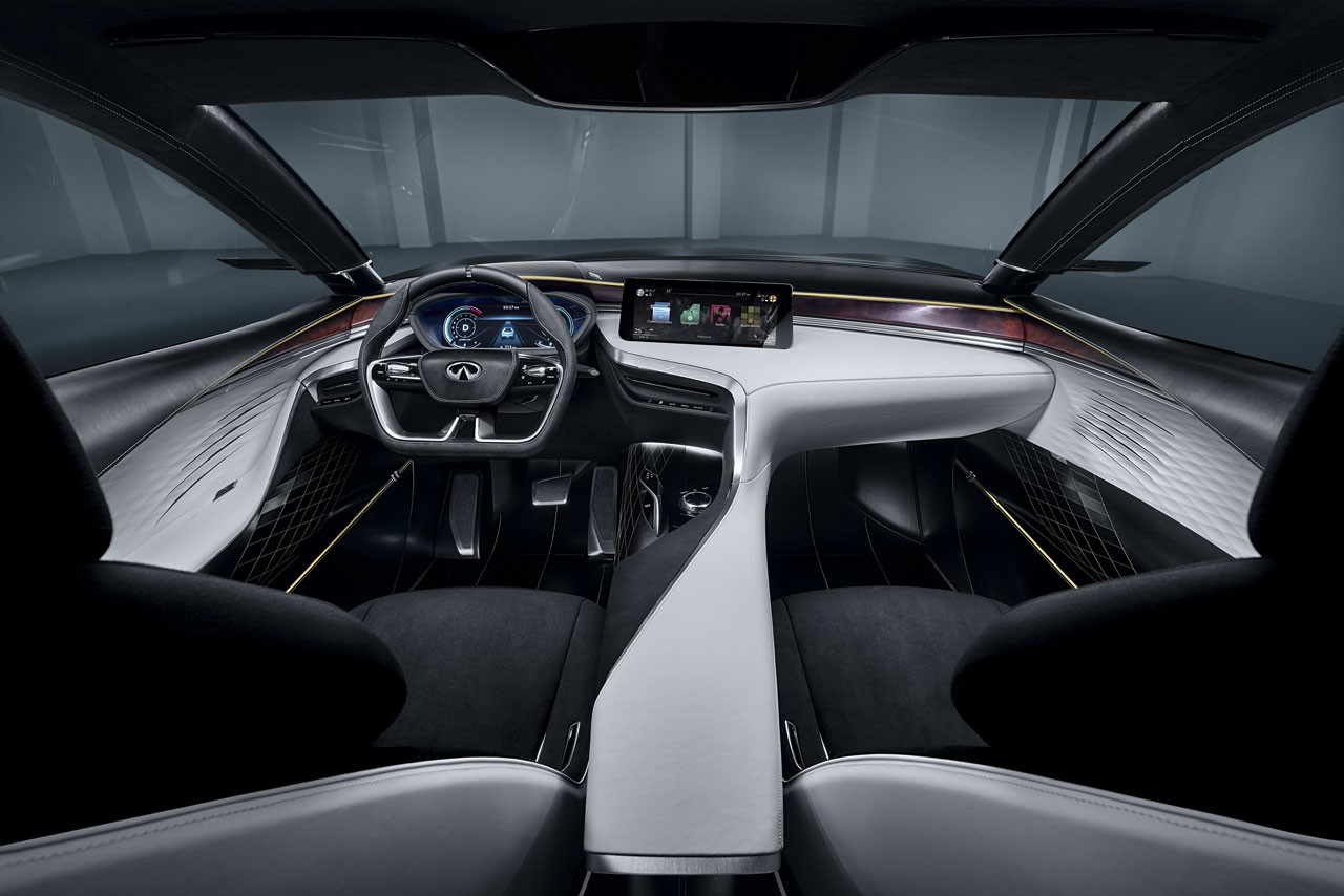 インフィニティ、パリモーターショーでVC-Tエンジン技術を世界初公開