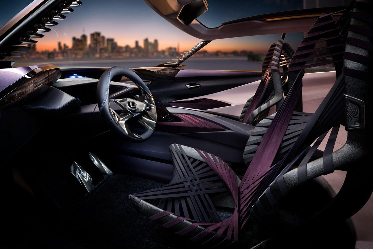 LEXUS、パリモーターショーでコンパクトクロスオーバーのコンセプトカー 「UX Concept」を世界初公開