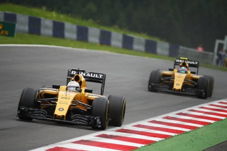 F1 | マグヌッセンが決断しないルノーF1に苛立ち。パーマーはチームの状況に理解を示す