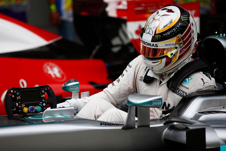 動画:ハミルトン(メルセデス)の予選Q3オンボード映像/F1第16戦マレーシアGP