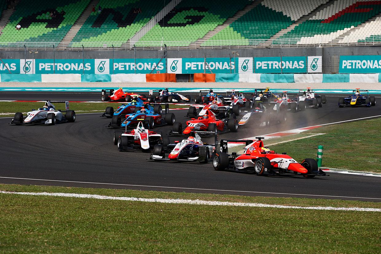 福住が2位表彰台 【順位結果】GP3第8戦マレーシア決勝レース2