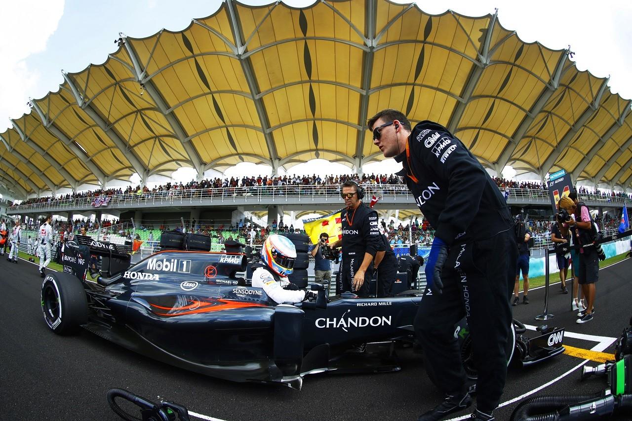 2016年第16戦マレーシアGP フェルナンド・アロンソ(マクラーレン・ホンダ)