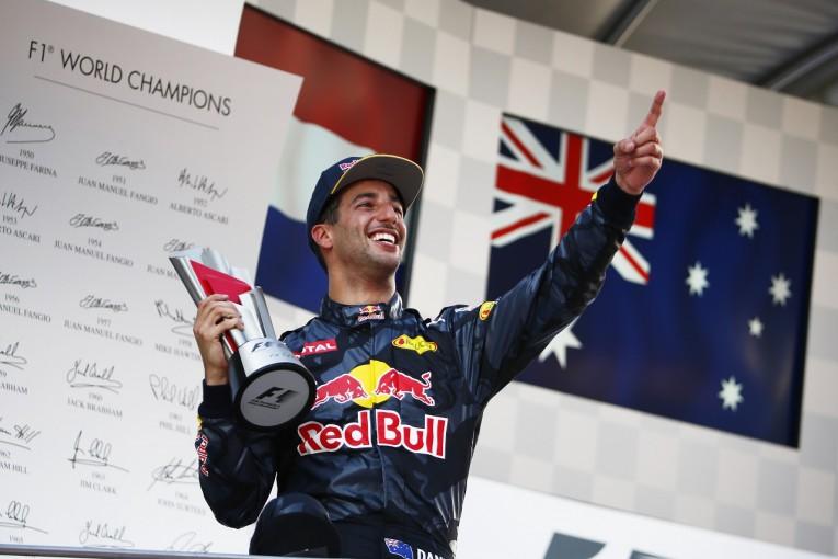 F1 | リカルド「この勝利を我が友ビアンキに。彼のためにもっと早く勝ちたかった」:レッドブル マレーシア日曜