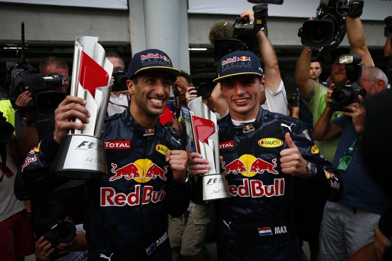 F1 | フェルスタッペン「リカルドとのバトルを許してくれたチームに感謝」:レッドブル マレーシア日曜