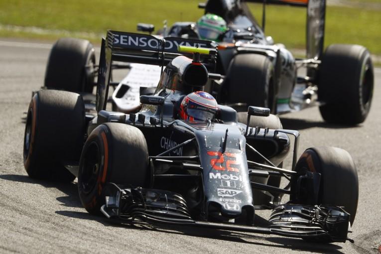 F1   ヒュルケンベルグ「バトンをどうしてもオーバーテイクできなかった」:Fインディア マレーシア日曜