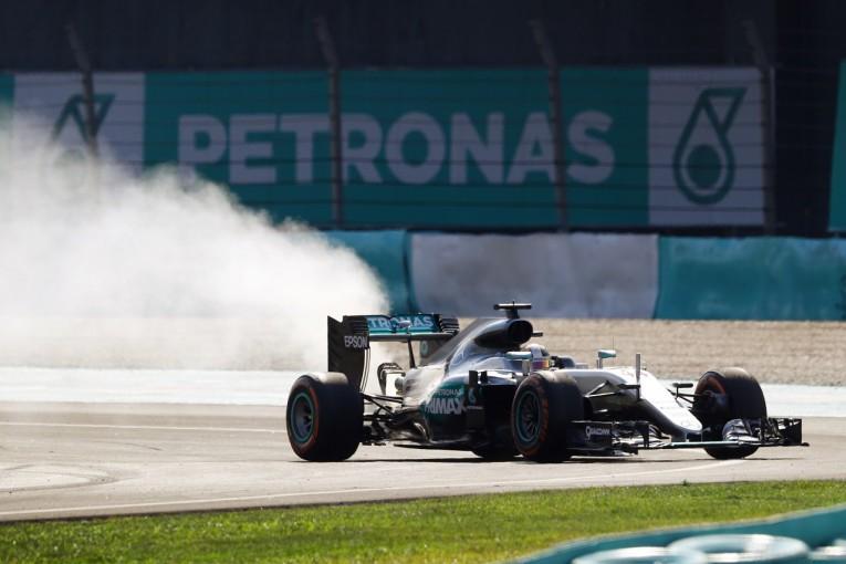 F1   メルセデスF1、トラブル原因を特定。鈴鹿で全ユーザーの新PU搭載を中止に