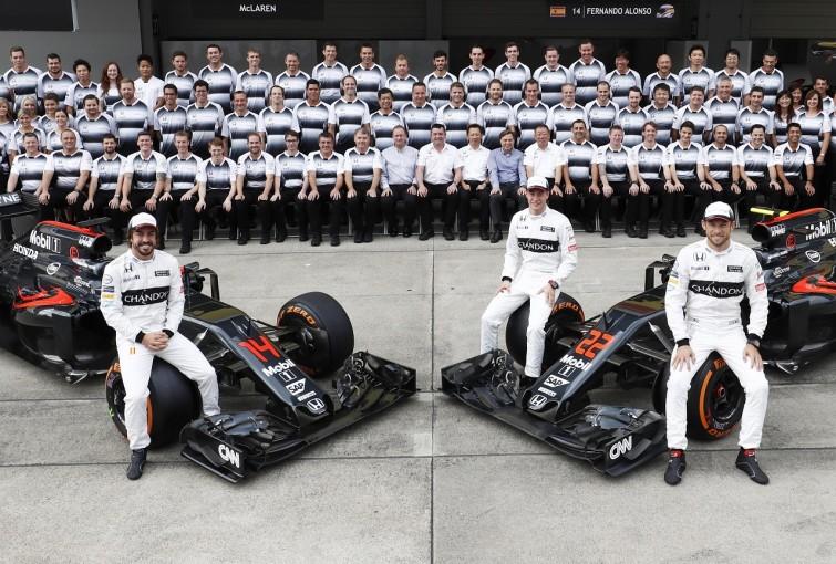 F1 | マクラーレン「アロンソは予期せぬグリップ低下でスピン」/F1日本GP金曜