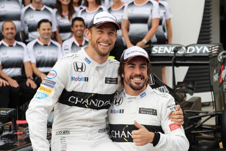 F1   バトンの復帰は?「アロンソの代役に何人かの候補」とマクラーレンF1。バーレーンテスト起用の予定はなし