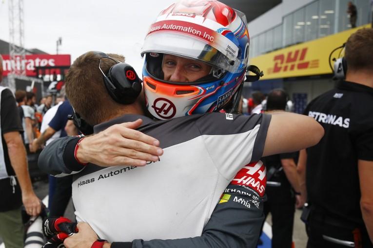 F1   ハースF1初の2台Q3進出。グロージャン「突然の速さの秘密は新フロントウイング」:日本GP土曜