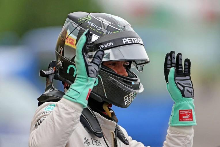 F1 | メルセデスF1、扱いにくいクラッチ問題の改善に向けグローブを改良